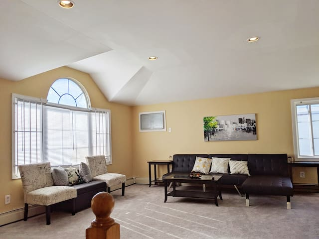 Spacious! 3 bed 2bath 5min JFK & Resorts Casino