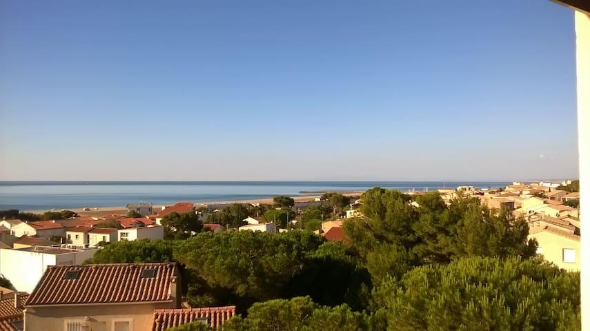 Magnifique T2 Mezzanine avec terrasse  vue sur mer - Fleury - Leilighet