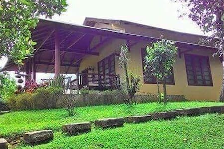 Tagaytay Farm House max. 8pax 2 chalet-small house