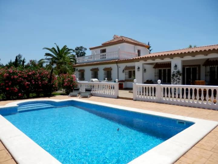 Large Villa with beautiful garden, pool and BBQ