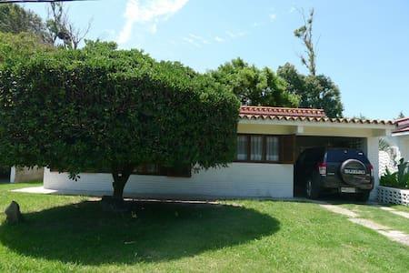 Hermoso chalet a 30 mts de la PLAYA - San Luis - Casa