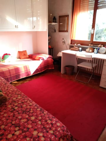 Arredamento Tre Stelle Beinasco.Airbnb Orbassano Holiday Rentals Places To Stay Piedmont