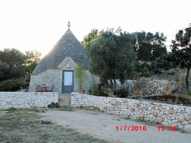 Love birds Trullo - Cisternino
