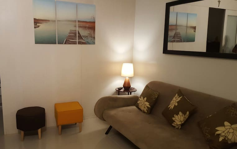 Cosy 1BR Apartment within Mall of Asia Complex - Pasay - Apartment