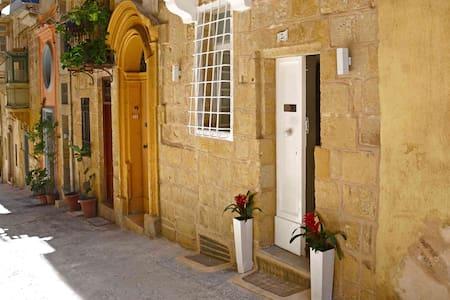 1 bedroom Maisonette in Valletta - Talo