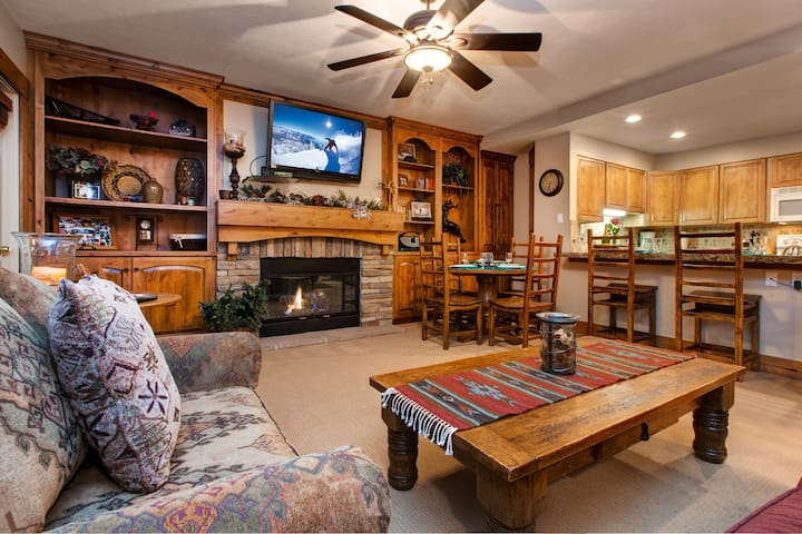 Ski season special!Luxury property just steps to skiing! Abode at Resort Plaza!! - Park City