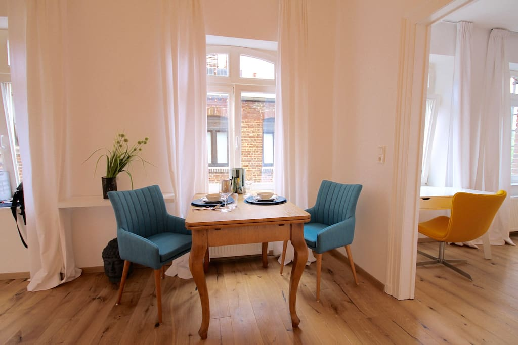 gro er k hlschrank anstelle einer minibar condominiums. Black Bedroom Furniture Sets. Home Design Ideas