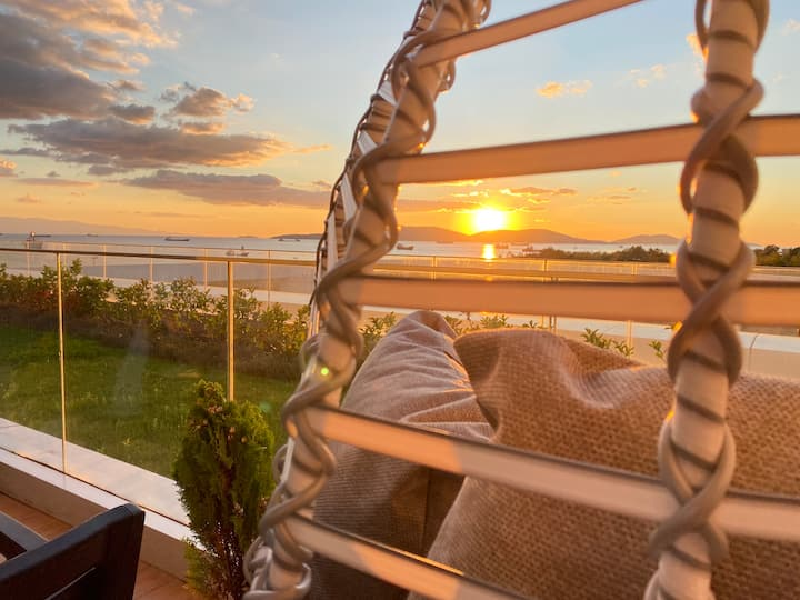 Brand new! Amazing sunset&seaview in luxury condo.