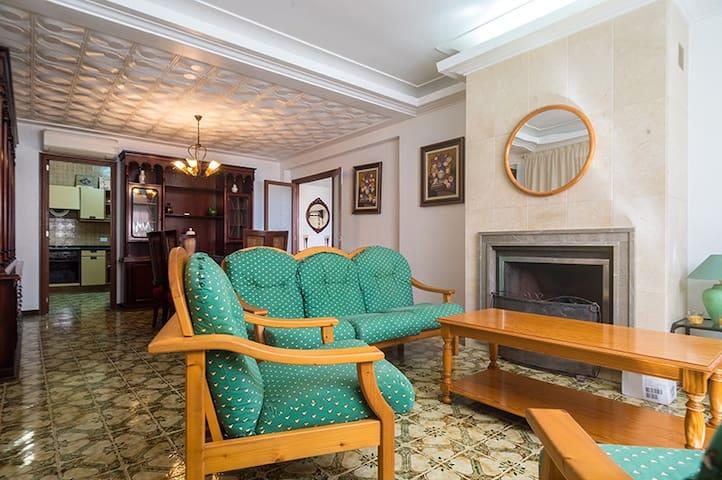 APARTAMENTO CONFORTABLE - Cala bona - Apartment