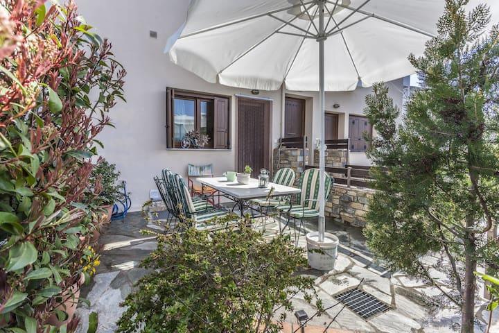 RENAS  HOUSE - Afetes