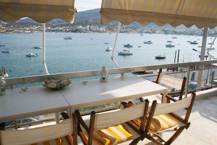 Bright apartment on the beach - Porto Rafti