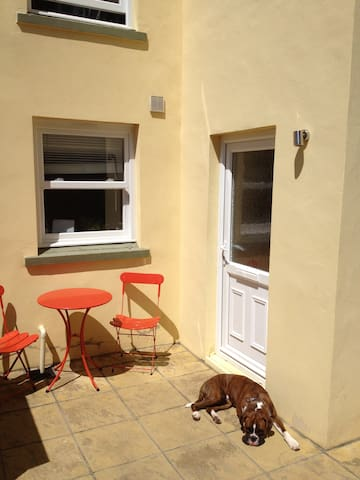 Homestay in a nice quiet area centre of St Helier