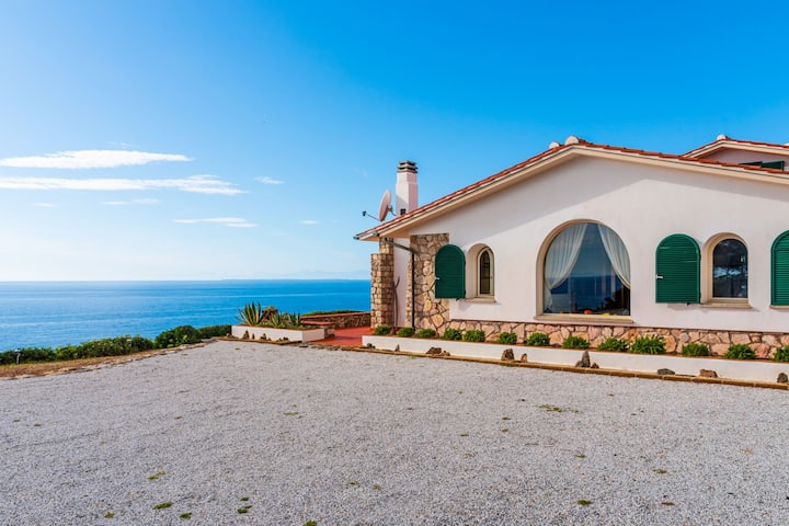 Villa Glaucos