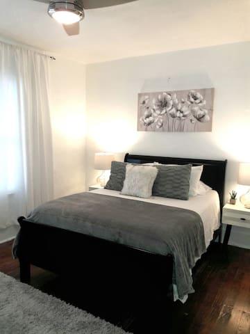 Master Bedroom Queen Bed - memory foam mattress
