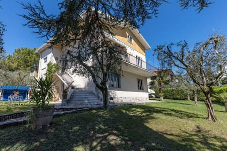 villa 50m from the water, lake view - Desenzano del Garda - วิลล่า
