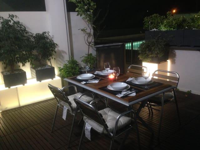 Apto planta baja,piscina, jardin,terraza,WIFI 4G