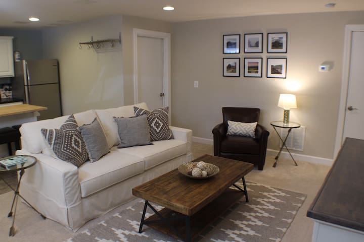 Cozy Downtown Apartment - Charlottesville - Pis