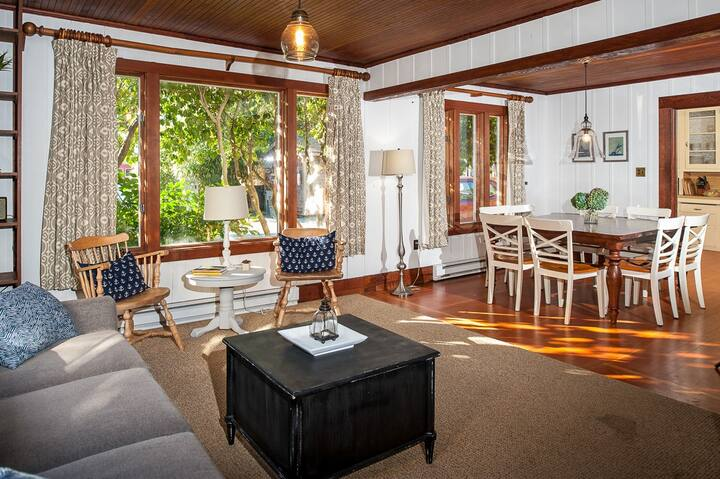 Vintage Getaway in Downtown Manzanita | Near Beach