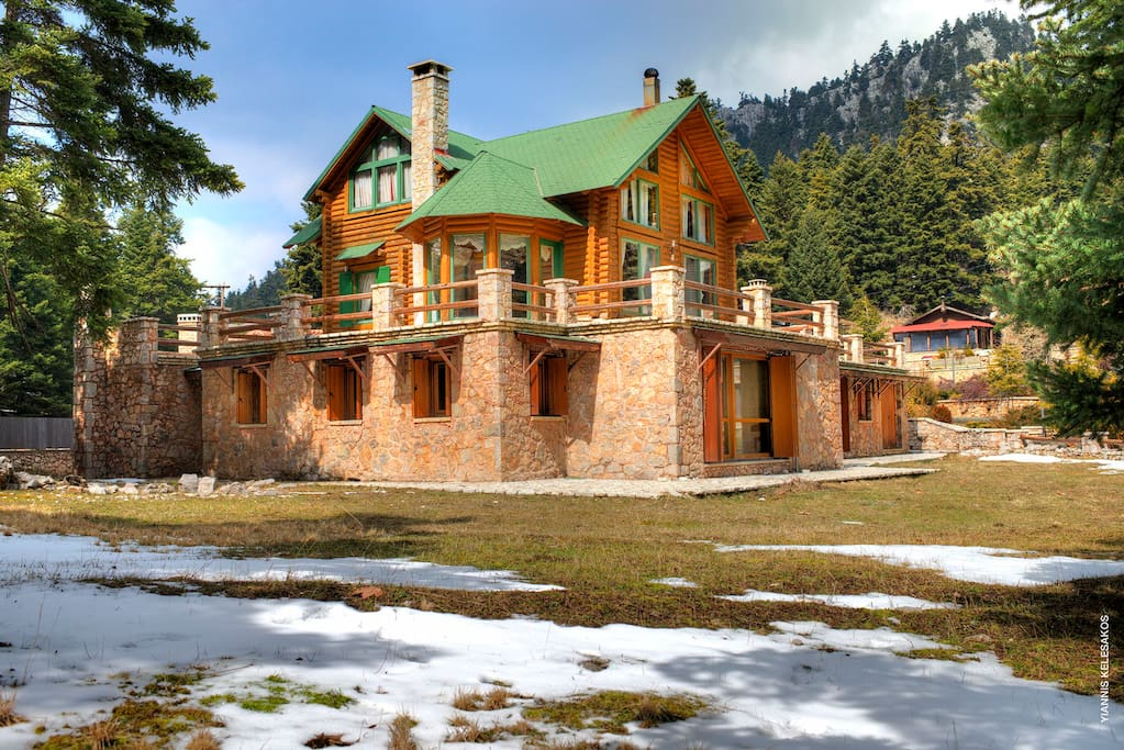The Villa is only 8km from the Parnassos Ski Centre
