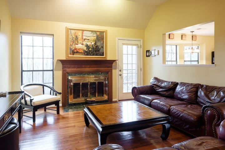 Your personal retreat - Hendersonville - House