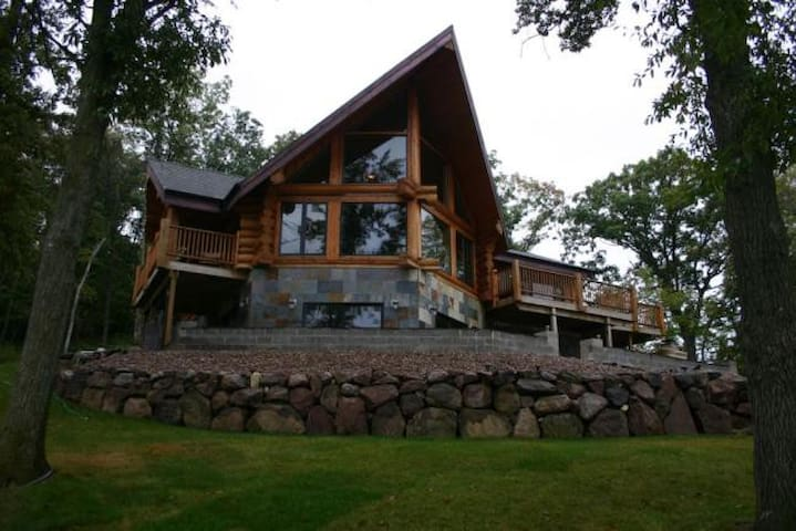 Lake Log Home Spectacular Views - Moravia - Casa