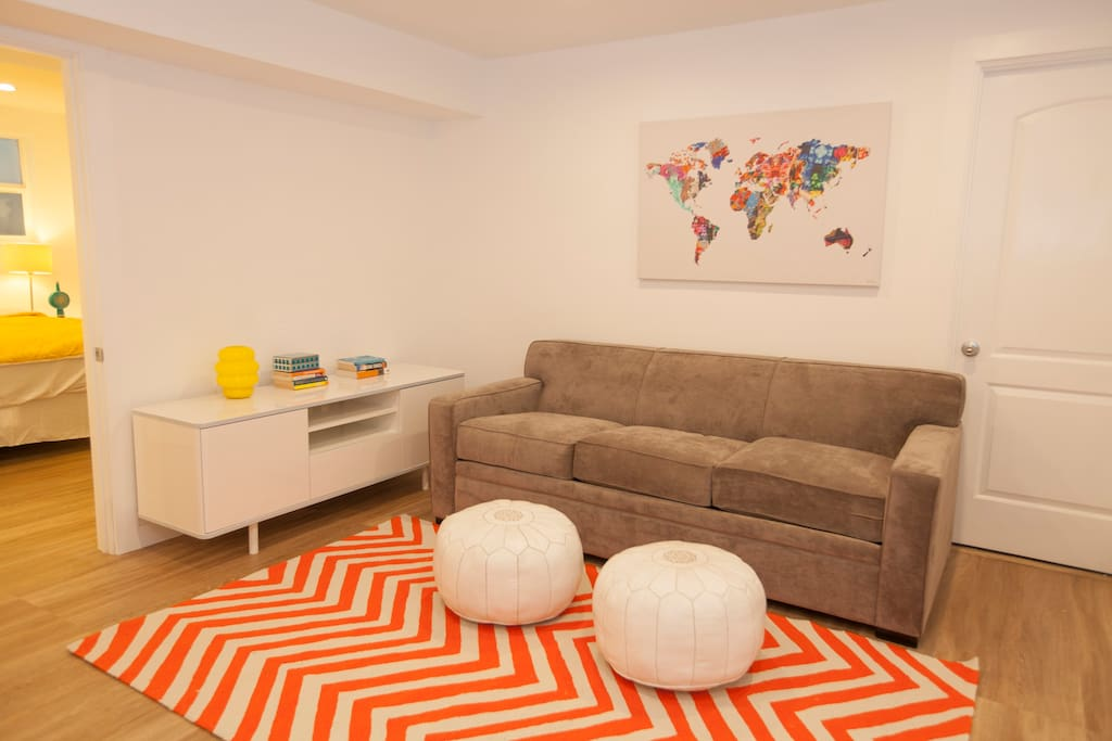Common space with cable tv and high-speed Internet