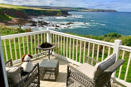 Luxury Lodge with Stunning Sea-views pet friendly