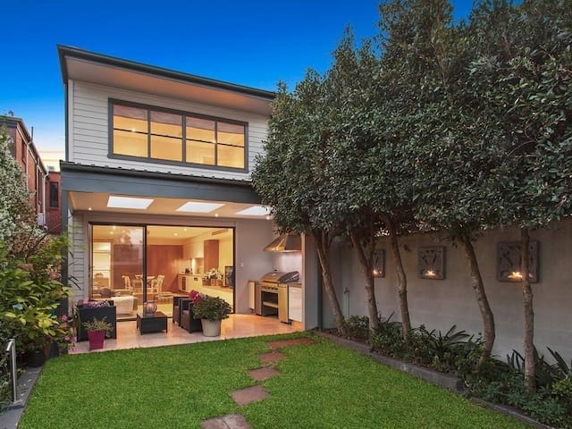 Designer home Annandale avail Christmas/New year - Annandale - House