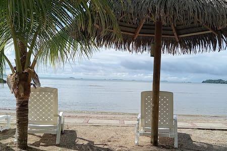 Apartamento en Playa Dorada!