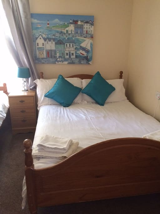 Room 9 - Triple room at the rear of the property with a ensuite, 1 x double bed and 1 x single bed.