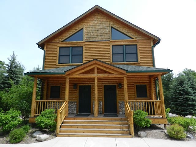 Duplex Cabin Side B Nestled on Maple River