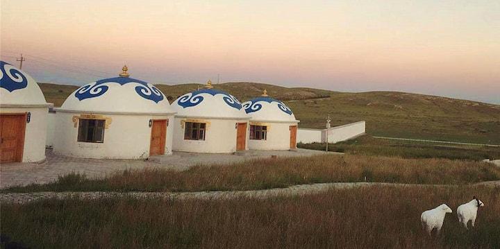 乌兰察布火山草原自驾运动营地