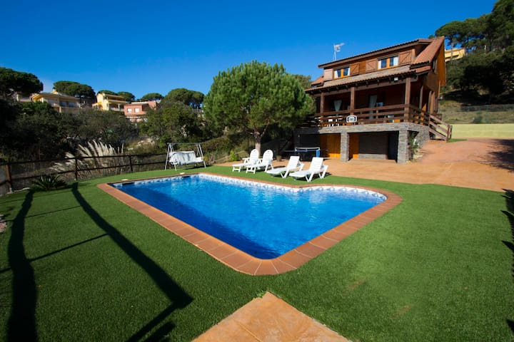 Catalunya Casas: Pleasant villa Tordera in Costa Brava, only 5km from the beach!
