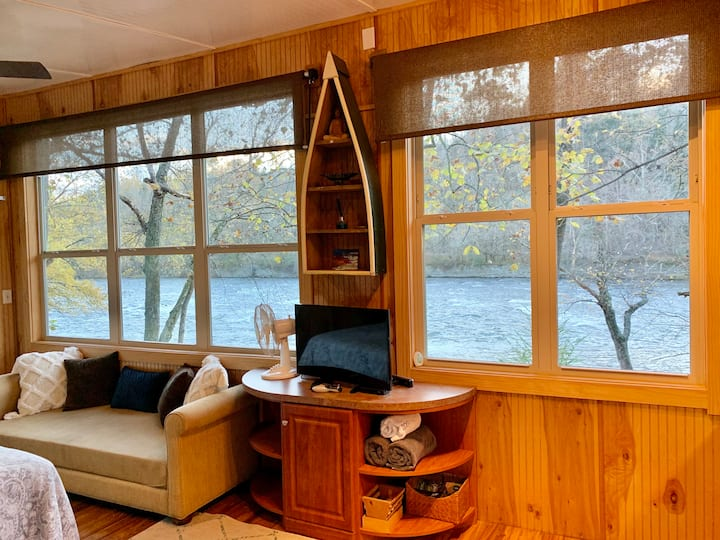 Paddlers Cottage - French Broad River