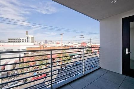Brand New Sunny One Bedroom Apartment - San Francisco