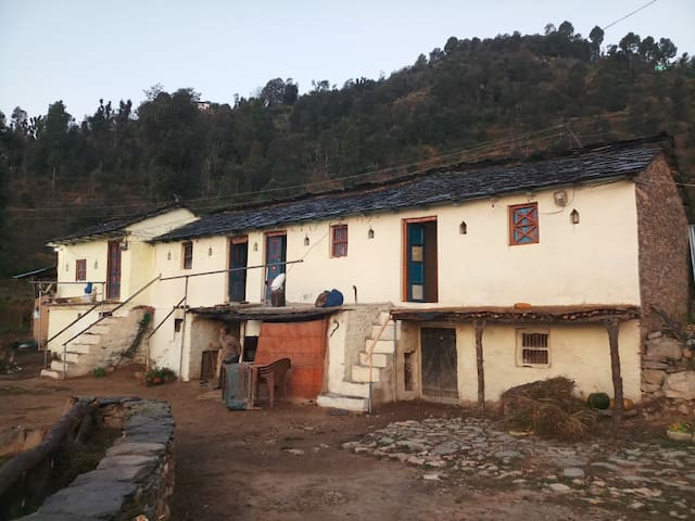 The Oak Forest Homestay@ Tehri Garhwal uttarakhand