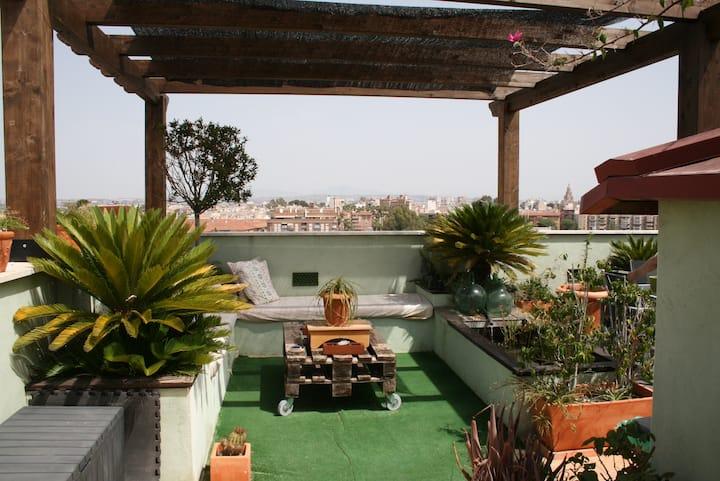 Atico con SPA-JACUZZI en terraza, un oasis