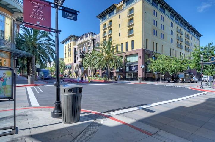 Streets of Santana Row