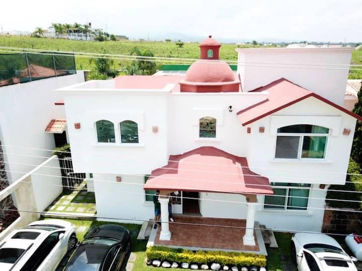 Hermosa casa familiar  lomas de Cocoyoc