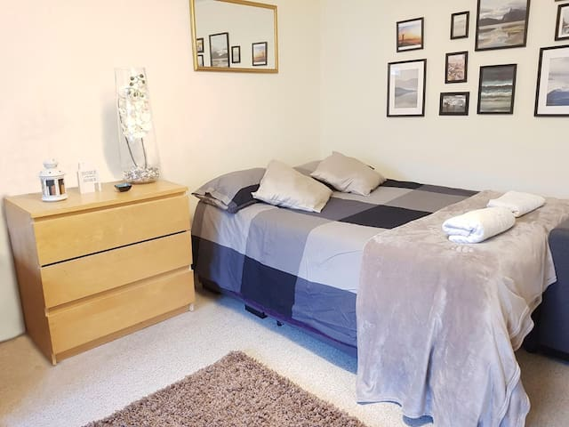 Double Room-Near main Avenue