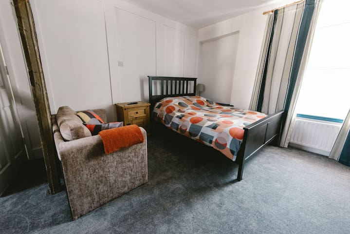 Super comfy double bed and sofa bed