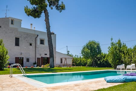 Villa with private pool in Apulia for 8 people