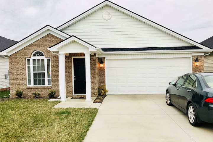 New home, close to the Horse Park and I-75/64