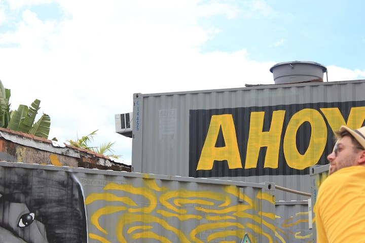 Ahoy (A) p/ 4 pessoas!