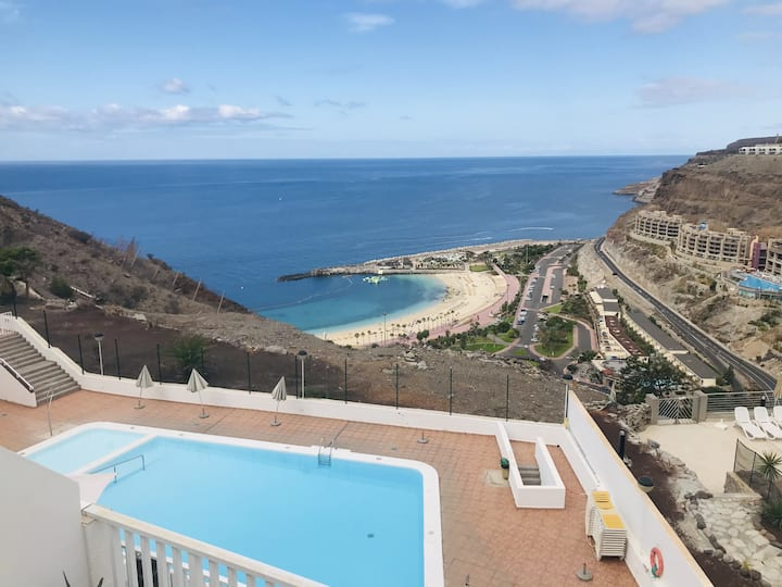 Apartment in Amadores with terrace pool and great views
