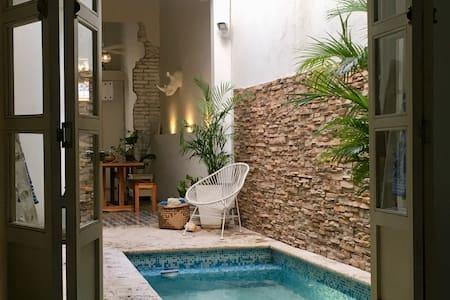 Stylish PRIVATE house with POOL .  FREE Breakfast!