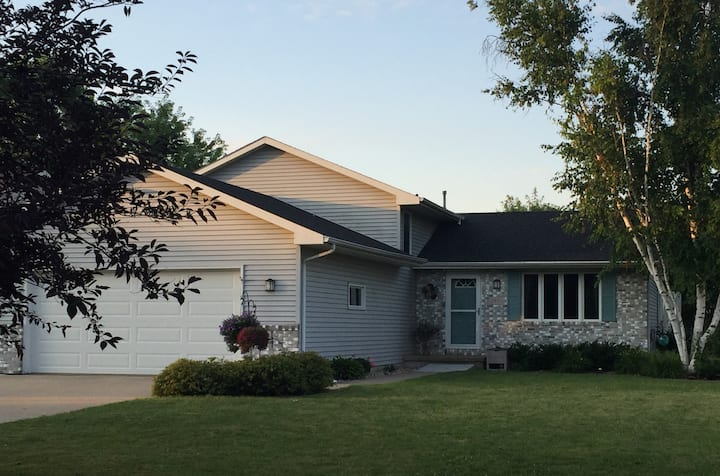 Renting home for Airventure.