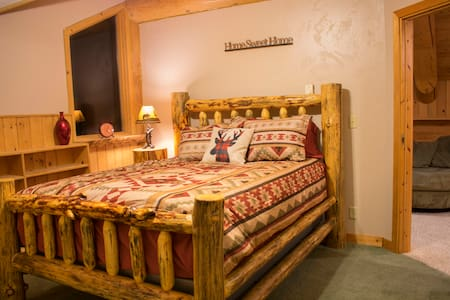 Bedroom 5 at Beautiful and Cozy LaBelle Lake - Rigby - Bed & Breakfast