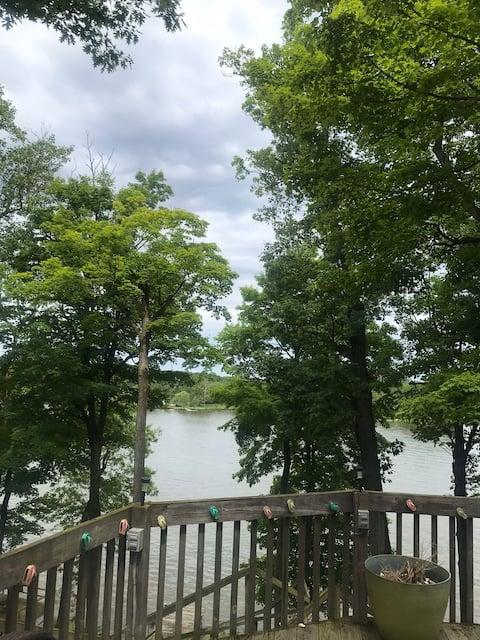 Cottage on Lake Freeman