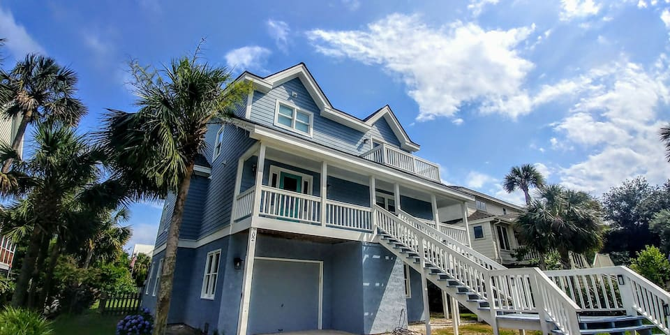 CAROLINA BREEZE--1 BLOCK from the Beach! All New!